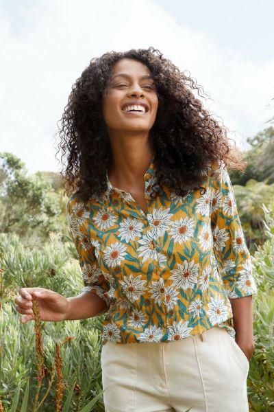 Larissa Shirt Gazania Daisies Sandstone