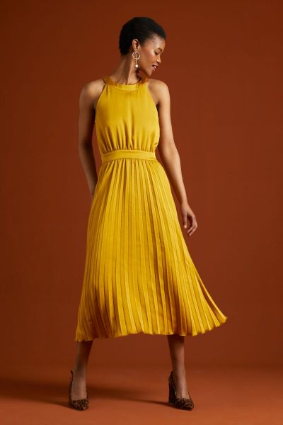 Danna Plisse Dress Ginty - Curry Yellow