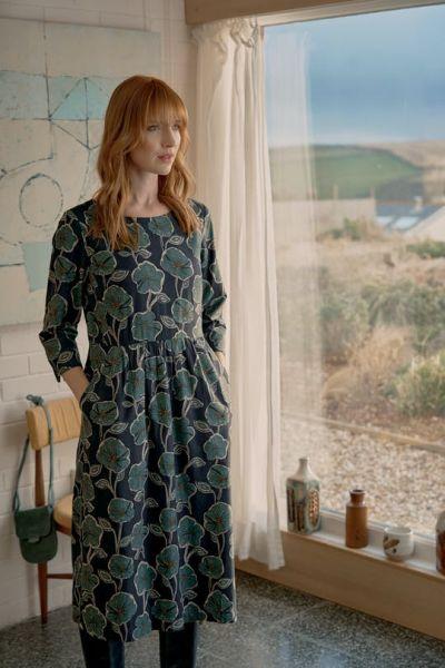 Kennack Sands Dress Retro Bloom Nettle Raven