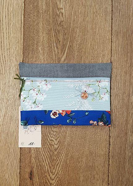 M39 Tasche klein Handarbeit Blumen 010519